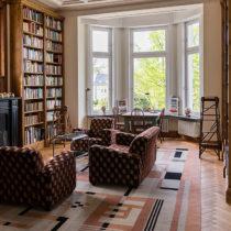 Die persönliche Bibliothek und Musiksammlung faszinierte die Gäste