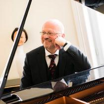Der Pianist und Freund Frank Chastenier gestaltete den musikalischen Rahmen
